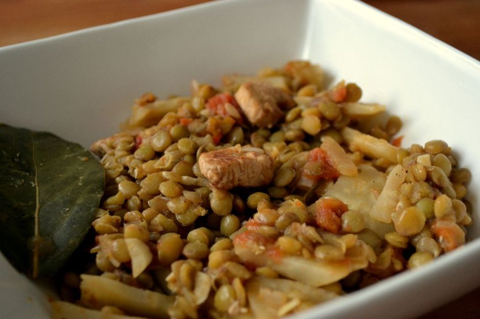 Lentil stew with turkey